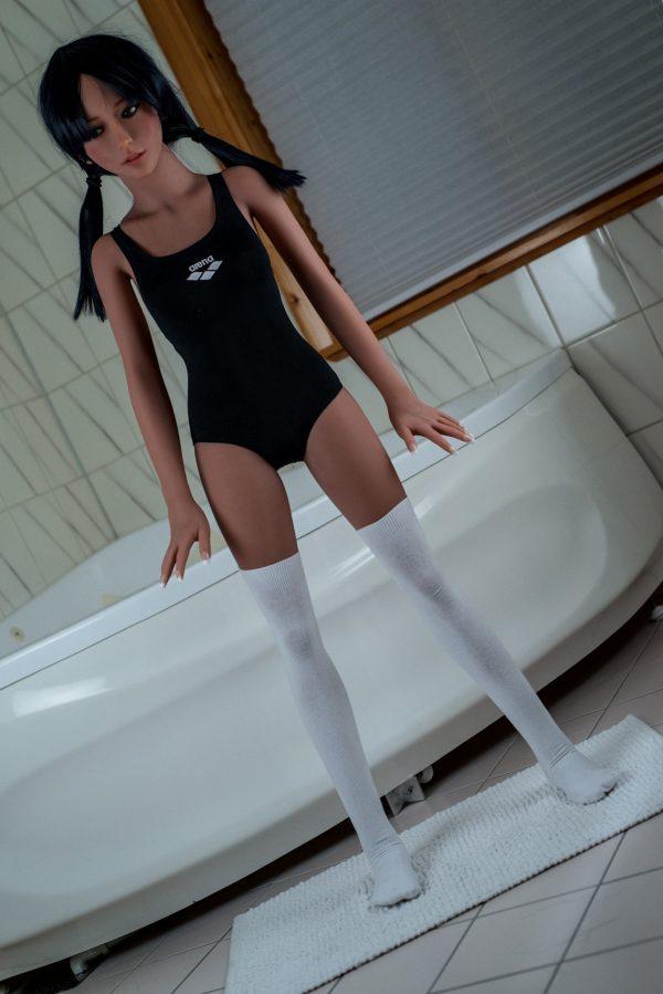 Skinny sexdoll Alyssa standing