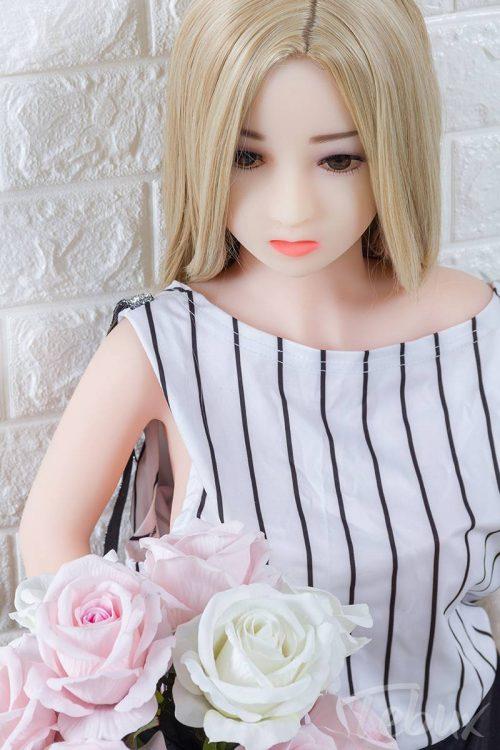 Mini love doll Charlotte standing
