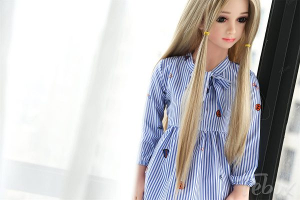 Mini sex doll Stella standing
